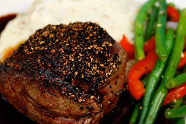 0003_Reata-Tenderloin-pepper-crusted